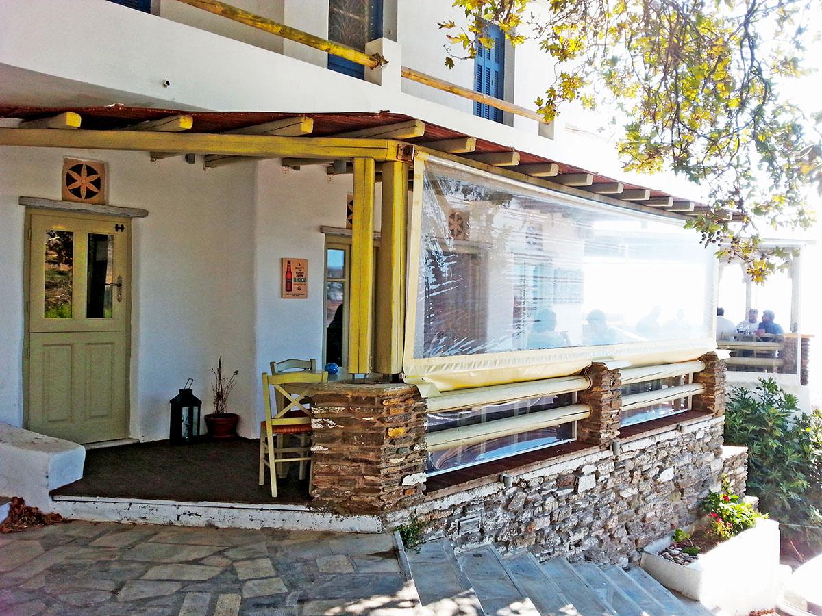 tinos-greek-island-beach-tourism-vacation-duo-horia-village