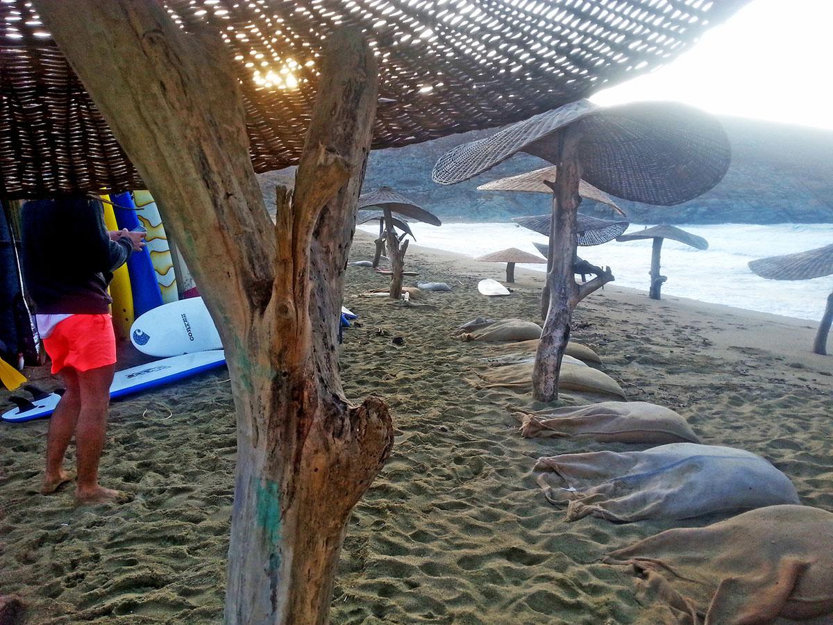 tinos-greek-island-beach-tourism-vacation-surf-in-big-kolympithra