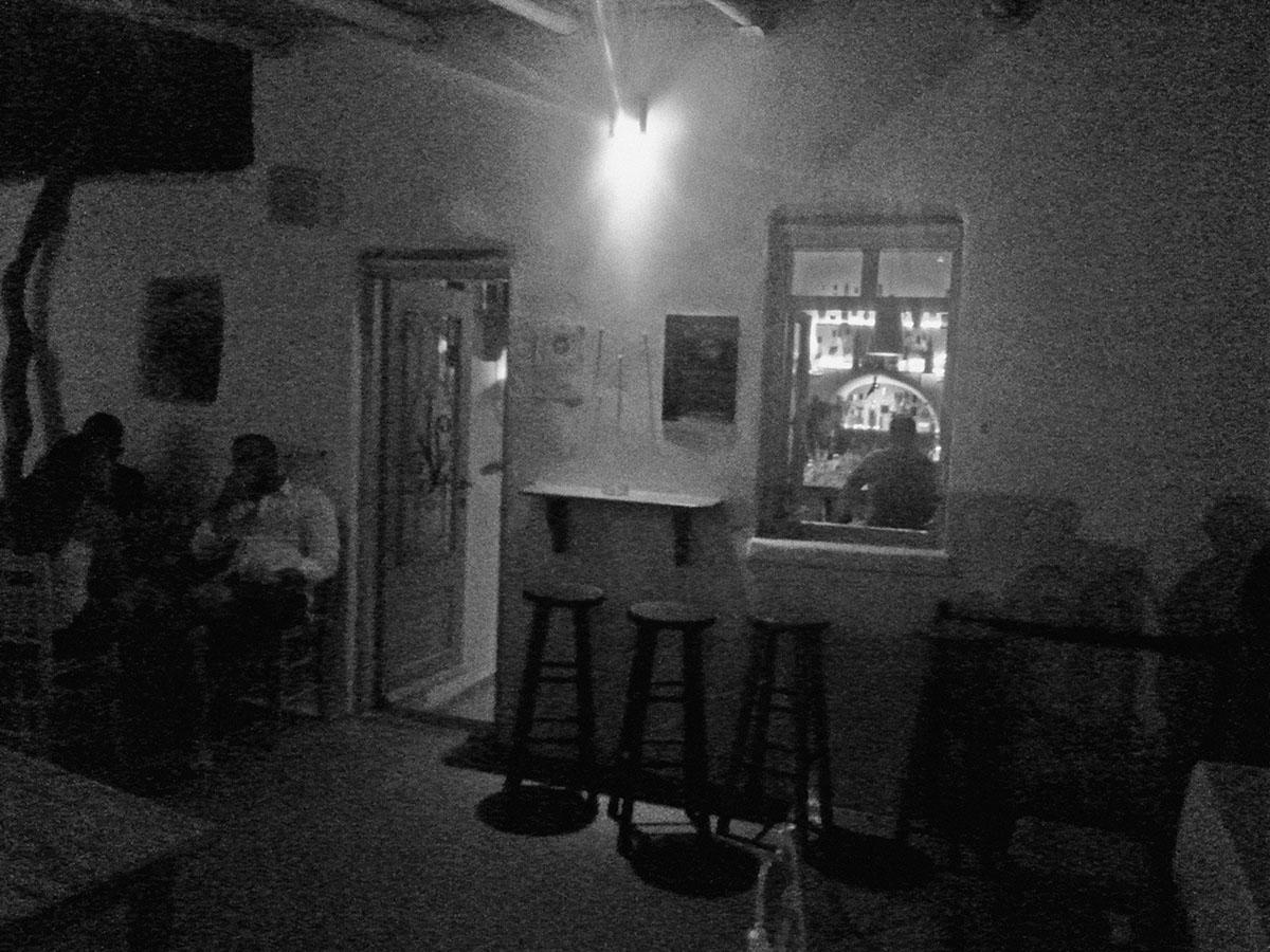 Seladi-cafe-bar-amorgos-cyclades-island-endless-blue-greece-summer-vacation-Tholaria