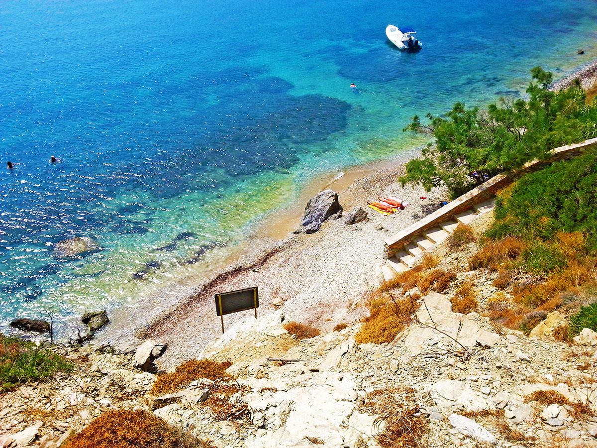 amorgos-cyclades-island-endless-blue-greece-summer-vacation-katapola-Beach-in-Xilokeratidi