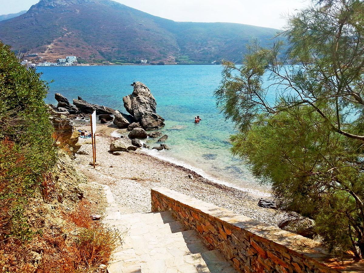 amorgos-cyclades-island-endless-blue-greece-summer-vacation-katapola-Beach in-Xilokeratidi