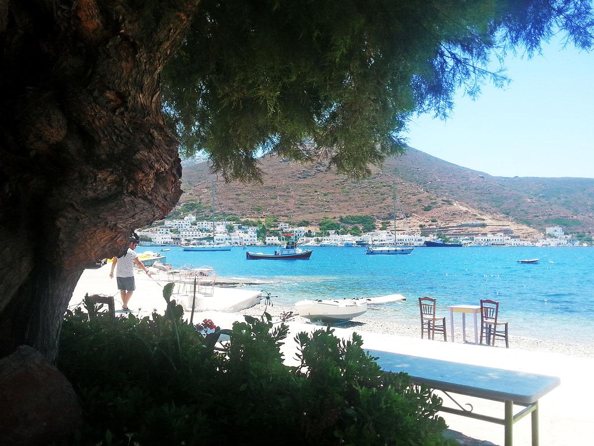 amorgos-cyclades-island-endless-blue-greece-summer-vacation-katapola-Moon-Bar-beach