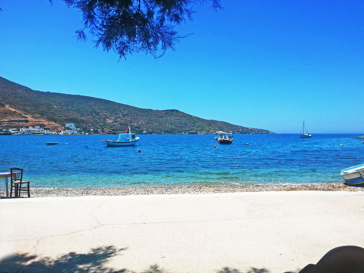 amorgos-cyclades-island-endless-blue-greece-summer-vacation-katapola-Moon Bar