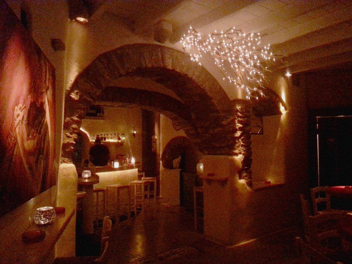 amorgos-island-endless-blue-greece-summer-vacation-Botilla Bar