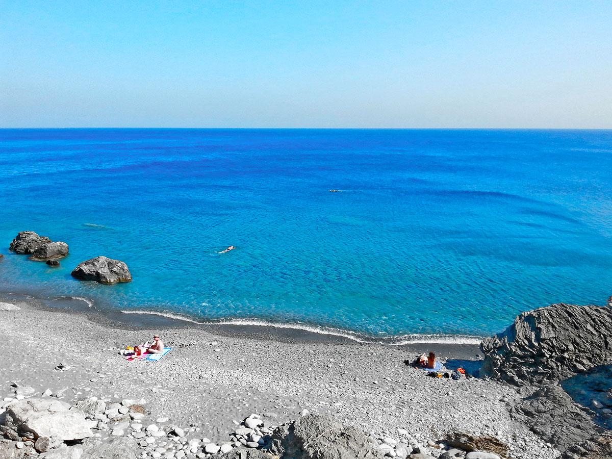 amorgos-island-endless-blue-greece-summer-vacation-Mouros-Beach-sea-view