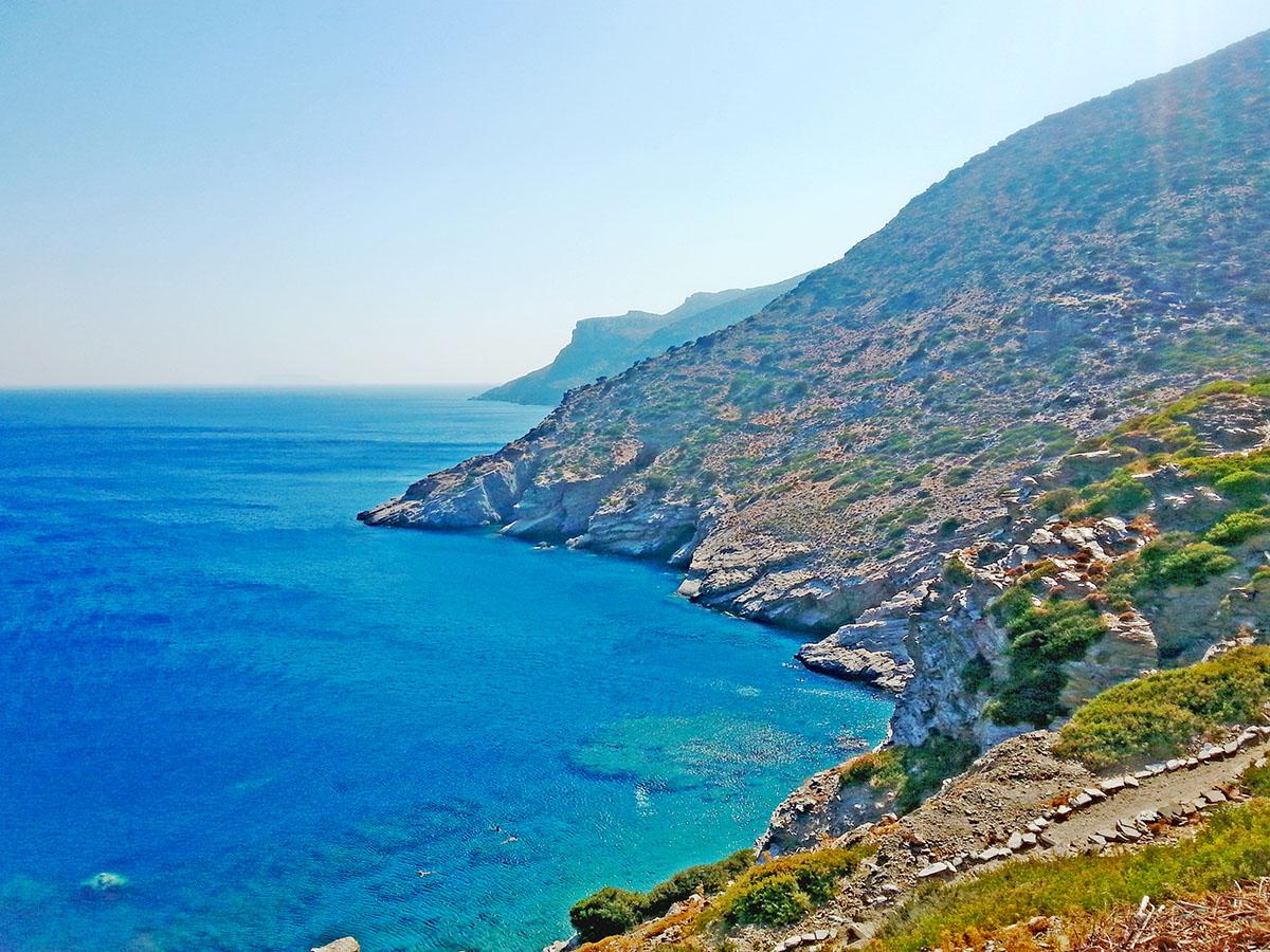amorgos-island-endless-blue-greece-summer-vacation-Mouros Beach