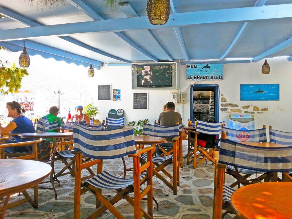 Cafe-Bar _Le Grand Bleu_amorgos-cyclades-island-endless-blue-greece-summer-vacation-katapola