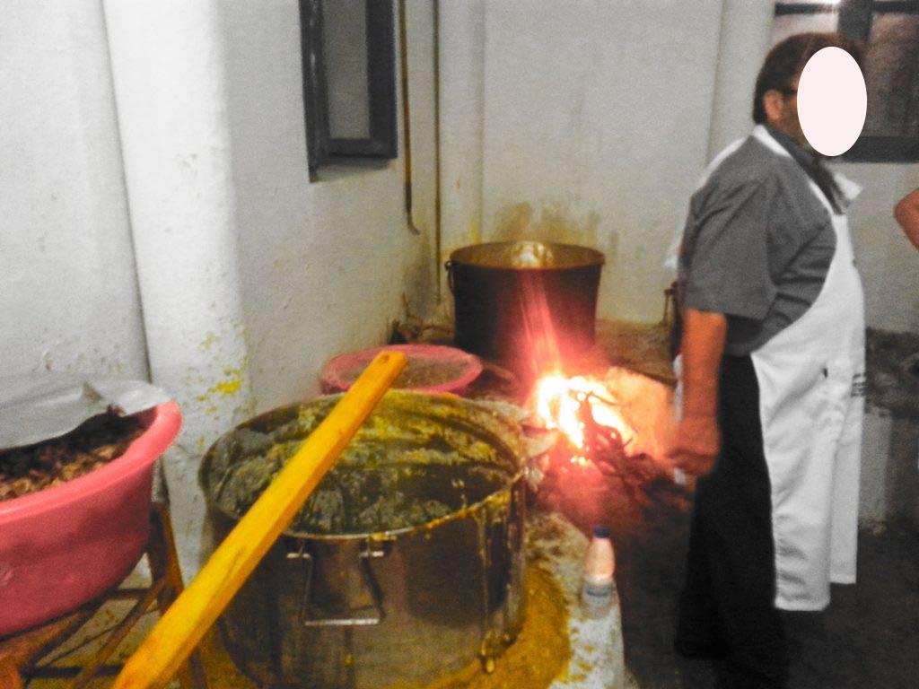 amorgos-cyclades-island-endless-blue-greece-summer-vacation-Panigiri-Agia Paraskevi-Fest-kitchen