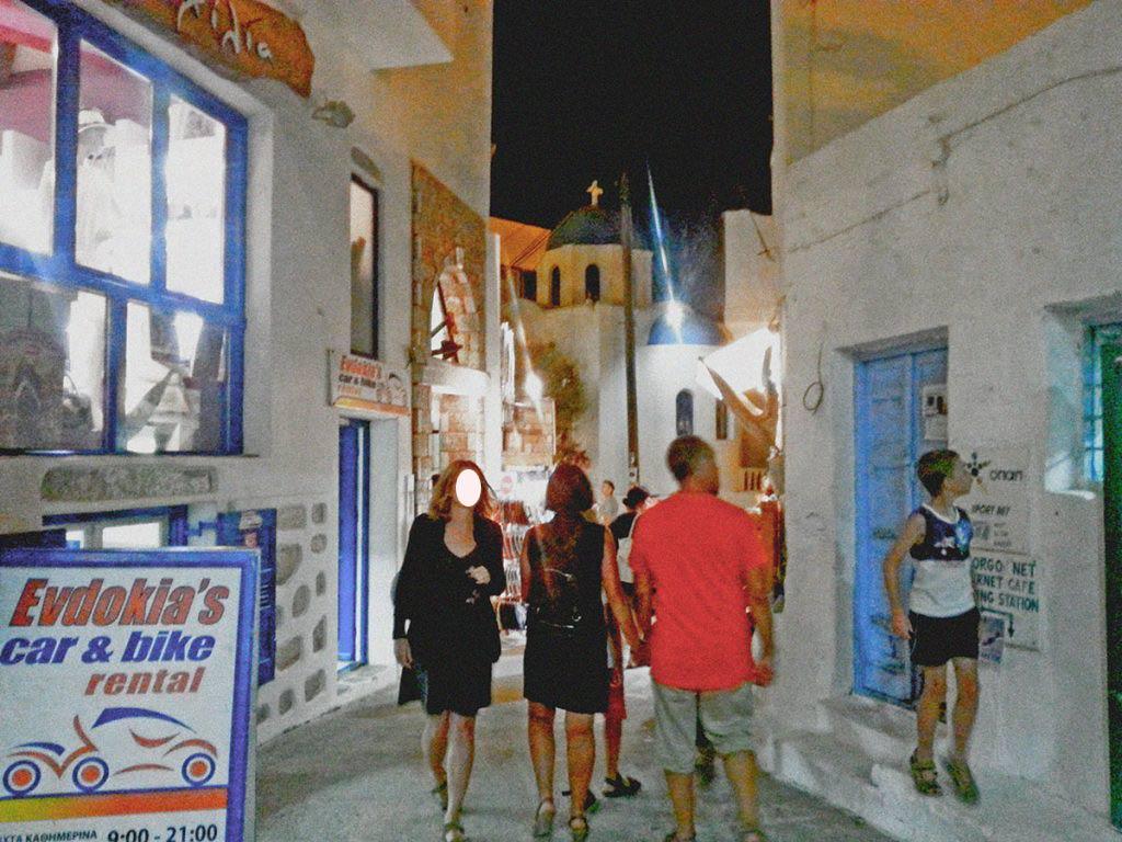 amorgos-island-endless-blue-greece-alleys-summer-vacation