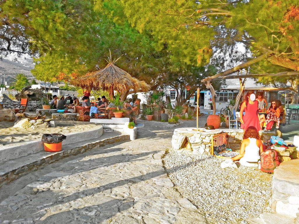 amorgos-island-endless-blue-greece-summer-vacation-Disco the Que